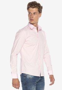 Cipo & Baxx - HECTOR - Formal shirt - pink - 3