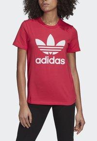 adidas Originals - TREFOIL T-SHIRT - Print T-shirt - pink - 4