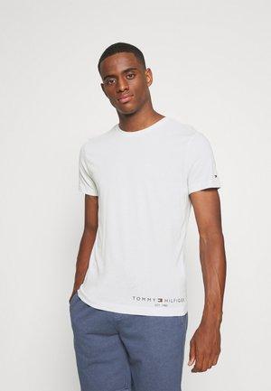 LOGO TEE - Printtipaita - white