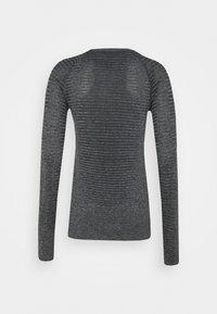 ODLO - ESSENTIAL SEAMLESS CREW NECK - Long sleeved top - grey melange - 5