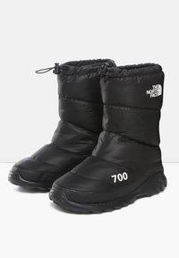 The North Face - M NUPTSE BOOTIE 700 - Winter boots - tnf black/tnf white - 2