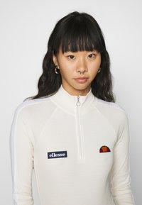 Ellesse - VIUMS - Langærmede T-shirts - off white - 4