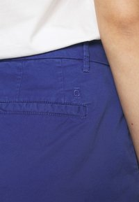 CLOSED - HOLDEN - Shorts - cobalt blue - 4