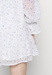 Hollister Co. - SHORT DRESS - Vestido informal - white - 4