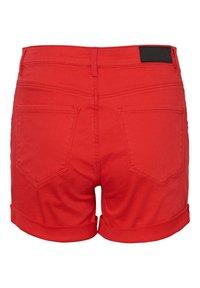 Vero Moda - VMHOT SEVEN MR FOLD SHORTS COLOR - Denim shorts - goji berry - 6