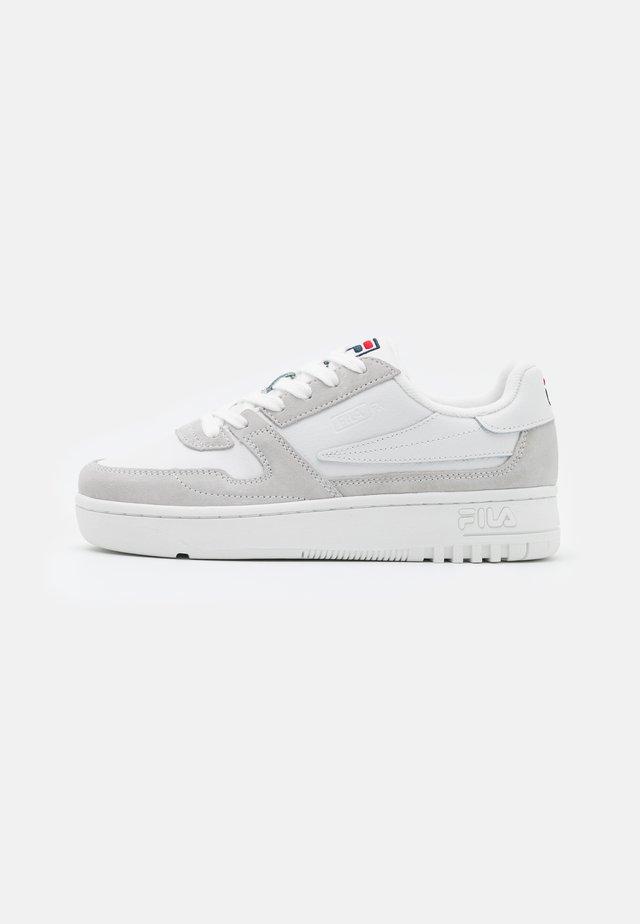 FXVENTUNO - Sneakersy niskie - white/marshmallow