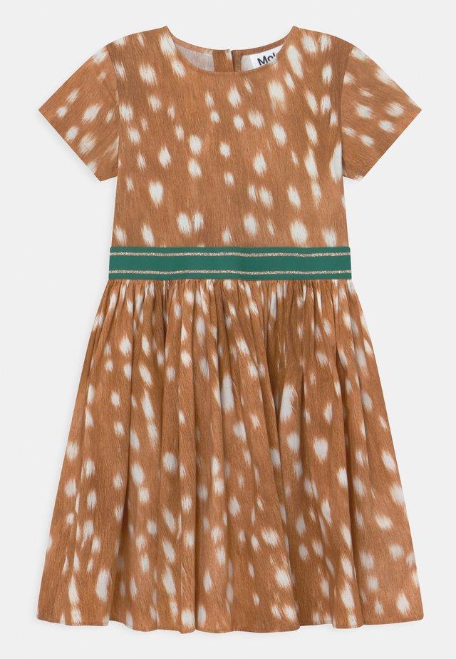 CANDY - Koktejlové šaty/ šaty na párty - brown