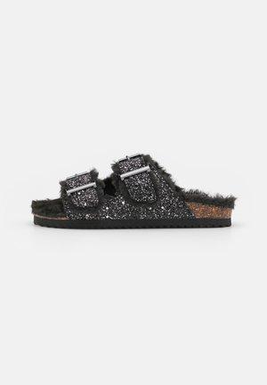 FURRY BIO GLITTER - Pantofle - black