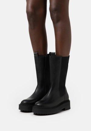 PEPPAL - Platåstøvler - black