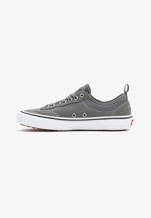 UA DESTRUCT SF - Matalavartiset tennarit - pewter/true white