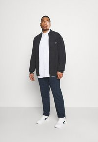 GANT - PLUS EXTRAFINE ZIP CARDIGAN  - Kofta - antracit melange - 1