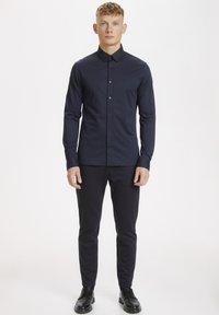 Matinique - MATROSTOL - Formal shirt - dark navy - 1