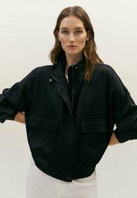 Massimo Dutti - MIT TASCHEN  - Summer jacket - black - 0