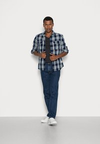 Lee - BROOKLYN STRAIGHT - Straight leg jeans - dark stone - 1