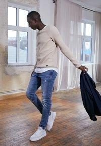 TOM TAILOR DENIM - PIERS - Jeans slim fit - bleached blue denim - 1