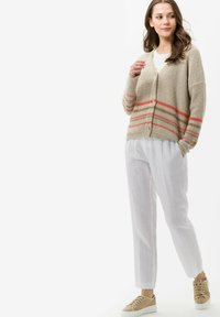 BRAX - Trousers - white - 1