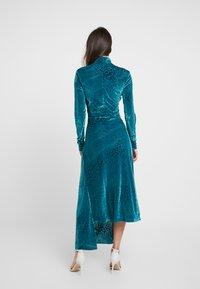 House of Holland - SNAKE DEVORE ASYMMETRIC DRESS - Occasion wear - teal - 2