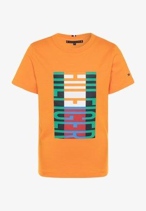 FUN FLAG TEE  - Triko spotiskem - orange