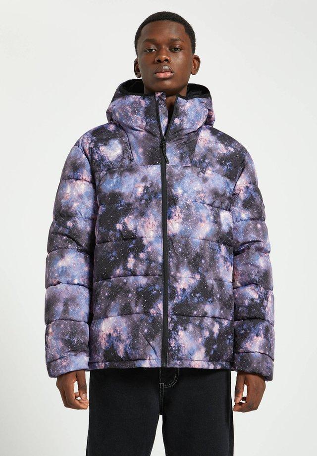 Talvitakki - mottled purple