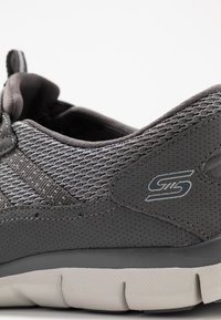 Skechers Wide Fit - GRATIS - Trainers - charcoal mesh/gray - 2