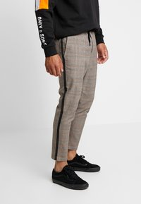 Only & Sons - ONSLINUS PANT CHECKS - Trousers - chinchilla - 0