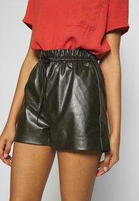 Molly Bracken - LADIES - Shorts - olive - 4