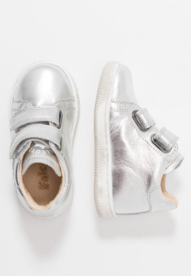 KLINGON - Chaussures premiers pas - silber