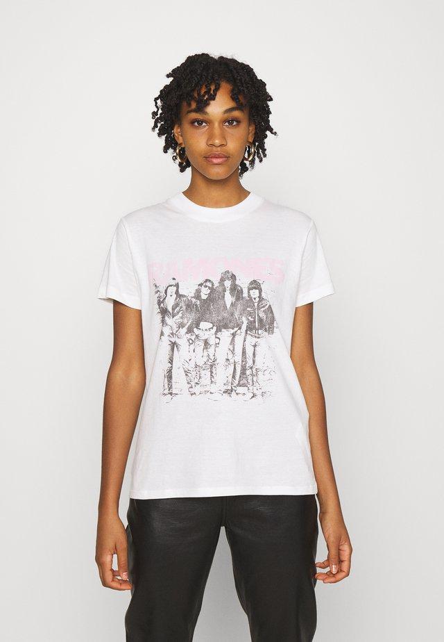 CLASSIC BAND - T-shirt z nadrukiem - off-white