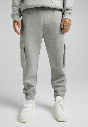 PIKEE- HOSE - Pantalon cargo - grey