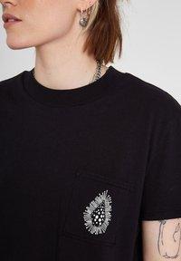 Volcom - CORAL MORPH S/S - Print T-shirt - black - 3