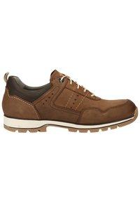 Fretz Men - Sznurowane obuwie sportowe - espresso - 6