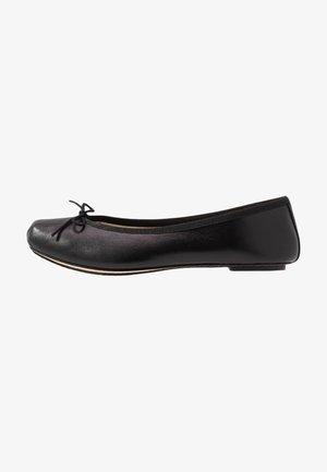 NIZIERI - Ballerinat - noir