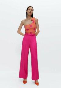 Uterqüe - Trousers - pink - 1