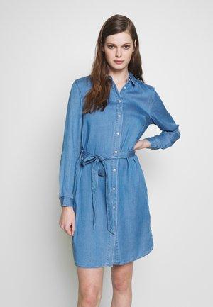 VIBISTA BELT DRESS - Denim dress - medium blue denim/clean wash