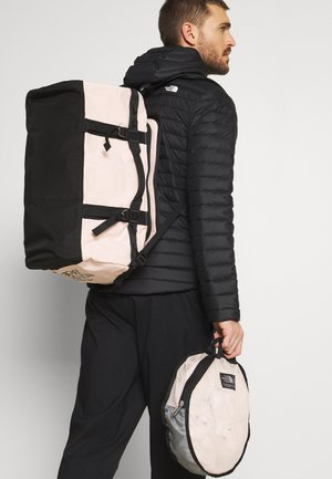 BASE CAMP DUFFEL S UNISEX - Sportväska - light pink/black
