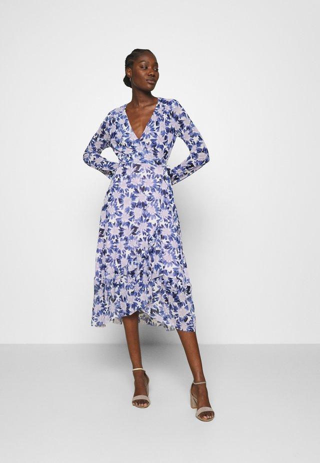 NATASJA FRILL DRESS - Korte jurk - marigold/lilac