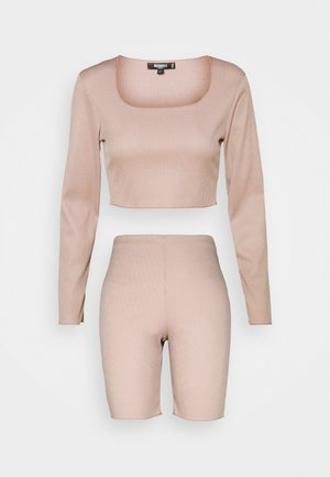 RACER NECK CROP AND CYCLING SET - Top - beige