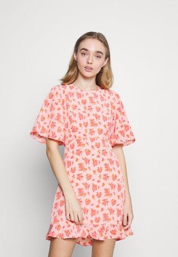 DAWN DRESS - Vestido informal - pink