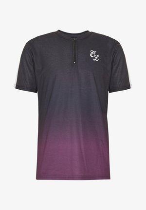 CONTRAST FADE - T-shirt z nadrukiem - port