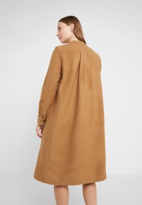 Lovechild - PAULA - Shirt dress - camel - 2