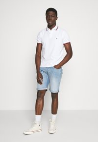 Tommy Hilfiger - TIPPED SLIM FIT - Pikeepaita - white - 1