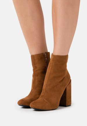 DOLLEY - High heeled ankle boots - tan