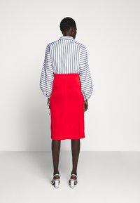 Filippa K - MARGARET SKIRT - Pouzdrová sukně - red orange - 2