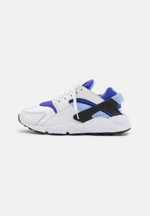 HUARACHE - Sneakersy niskie - white/lapis/black