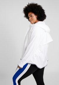 Nike Sportswear - PLUS - Summer jacket - white/cool grey - 2