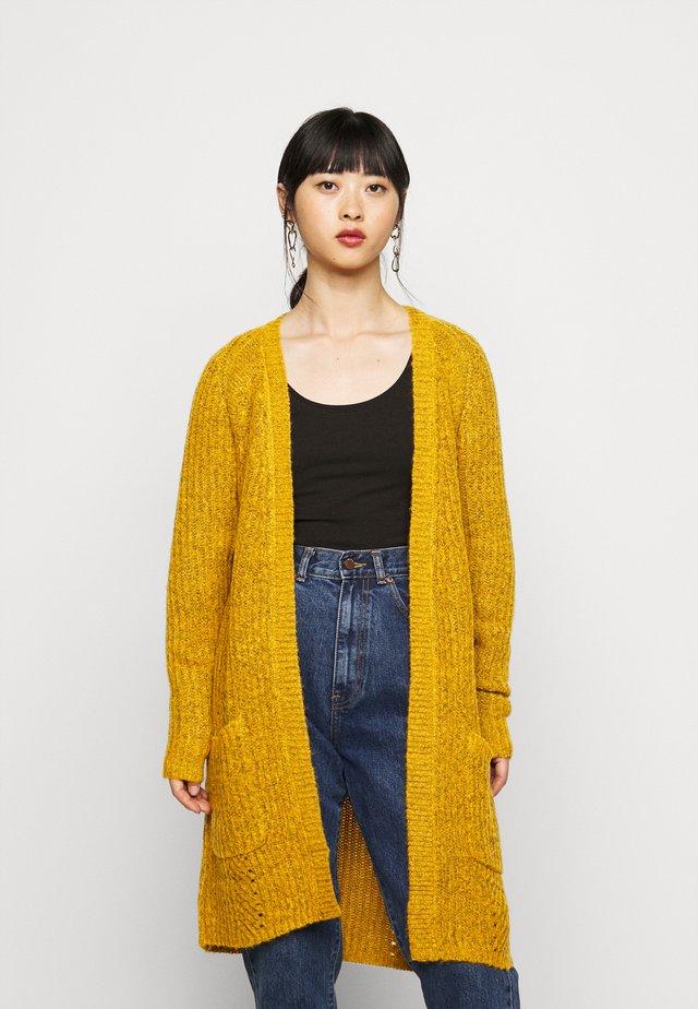 ONLBERNICE CARDIGAN - Stickad tröja - golden glow