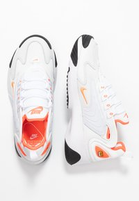 Nike Sportswear - ZOOM 2K - Sneakers - platinum tint/hyper crimson/white/black - 5