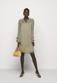 Diane von Furstenberg - HEIDI DRESS - Vapaa-ajan mekko - fun club medium green - 1