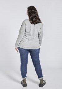 SPG Woman - Sweater - grey - 2