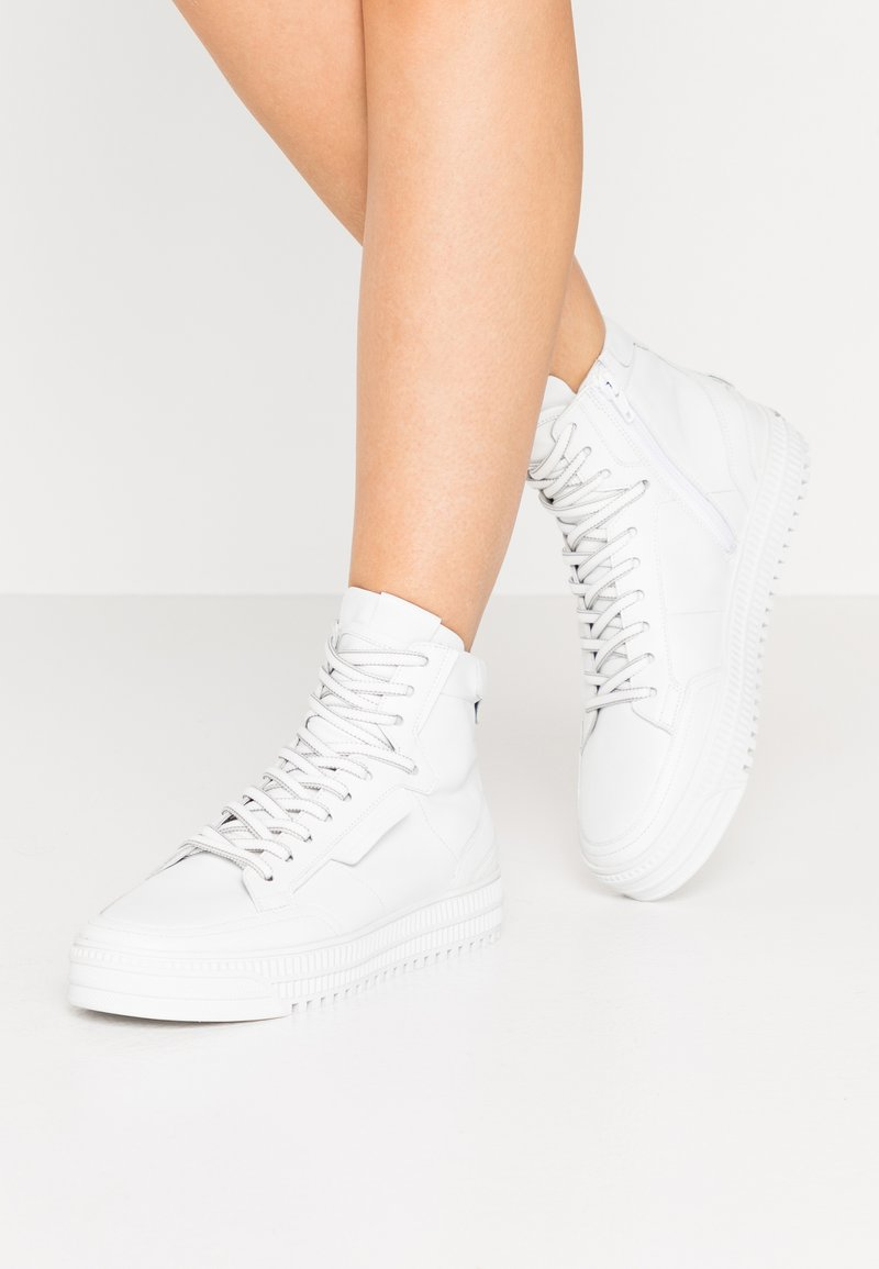 Kennel + Schmenger - ZOOM - High-top trainers - bianco